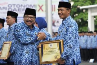 Pemkot Madiun Terima Penghargaan Gubernur Jatim