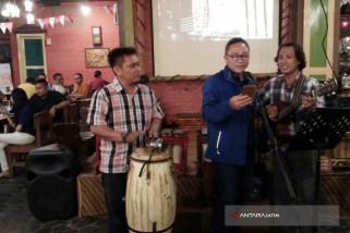 Ketua MPR Nikmati Beragam Kuliner di Kota Pahlawan (Video)
