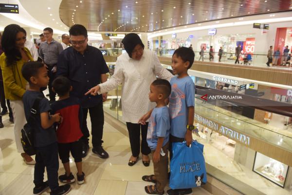 Datangi Pakuwon Mall, Risma Yakinkan Surabaya Kondusif (Video)