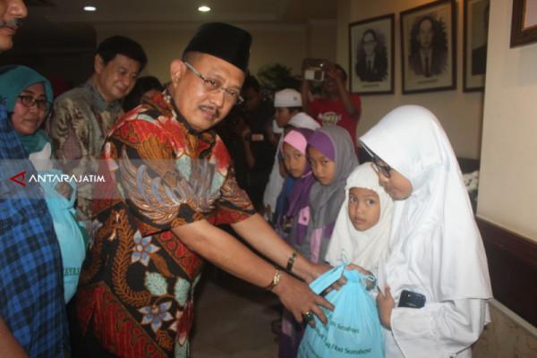 DPRD Surabaya Santuni Ratusan Anak Yatim Piatu