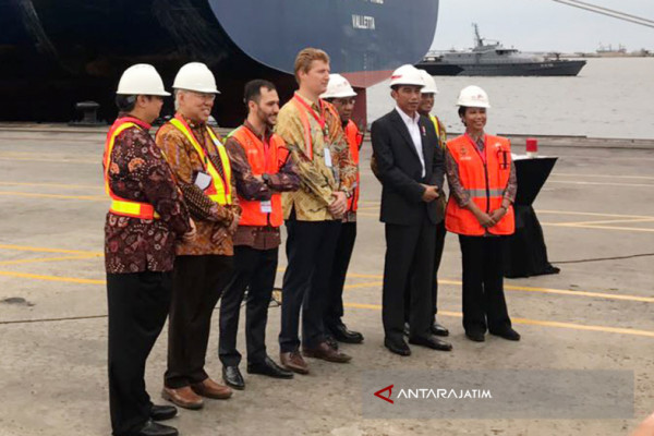 Jokowi Tinjau Infrastruktur dan Lepas Ekspor di Tanjung Priok (Video)