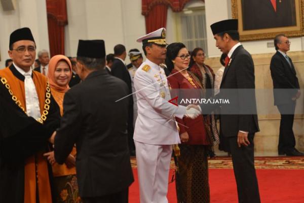 Presiden Lantik KASAL dan Wakil Ketua MA