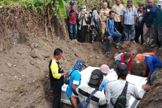 Empat Terduga Teroris Dimakamkan di Sidoarjo