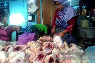 Harga Daging Ayam Potong di Bojonegoro Turun Jadi Rp35.000/Kilogram (Video)