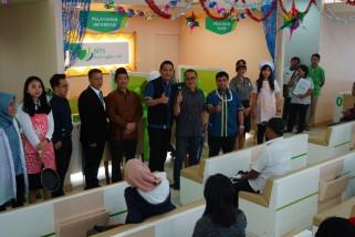 BPJS Ketenagakerjaan Madiun Peringati Hari Buruh dengan Bagikan Cendera Mata