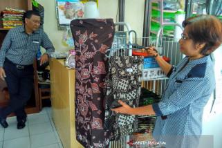 Perajin Bojonegoro Kurang Tertarik Produksi Batik Tulis Warna Alami