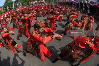 Video - Keren, 725 Penari Remo Meriahkan Hari Jadi Kota Surabaya