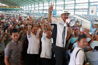 Gus Ipul Komitmen Tingkatkan Ekspor Sepatu Jatim
