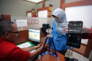 Video - Wow, Imigrasi Blitar Adakan Pengurusan Paspor Kilat Bagi Lansia