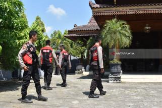 Polisi Amankan Gudang Diduga Tempat Pengoplosan Beras di Ngawi