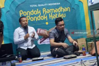 Johan Yan Gratiskan Haji 8 Karyawan Muslim