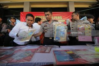 Polisi Ringkus Komplotan Penipu Mengatasnamakan Pejabat (Video)