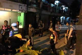 Terduga Teroris di Surabaya Kesehariannya Jual Ikan