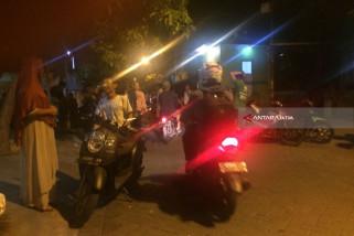 Polisi Ledakkan Bom di Gang Sikatan Surabaya