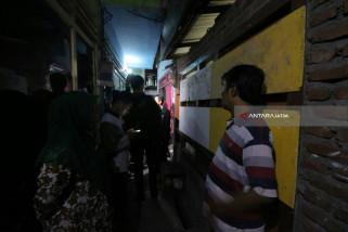 Terduga Teroris dan Sekarung Bahan Baku Peledak Diamankan