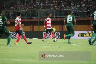 Persebaya Tahan Imbang Madura United 2-2