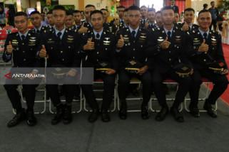 48 Anak Berprestasi di Surabaya Diterima Kerja di GMF