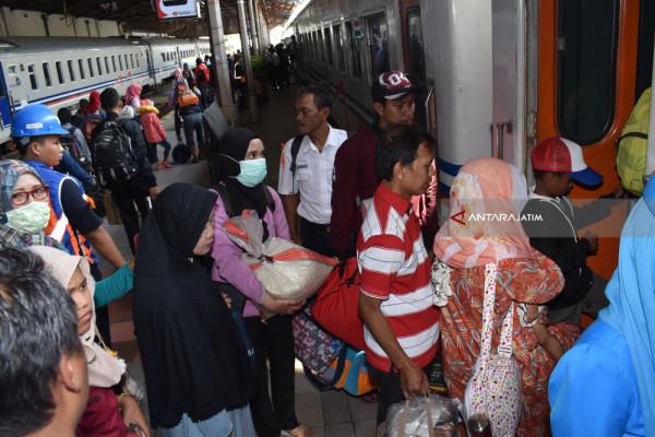 Penumpang Arus Balik di Daop Madiun Capai 238.595 Orang