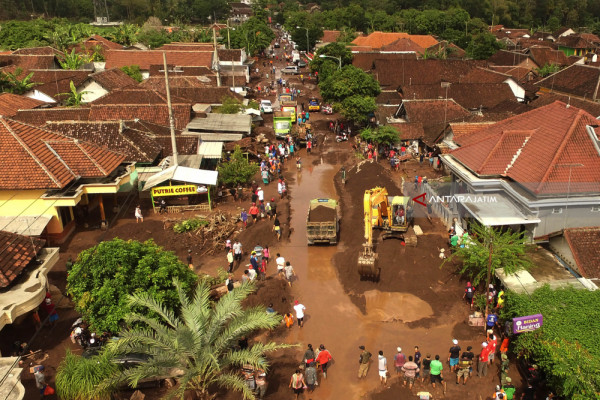 Foto Aerial - Dampak Banjir Bandang Banyuwangi