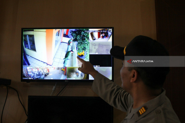 Pengamanan Logistik Pilkada Menggunakan CCTV