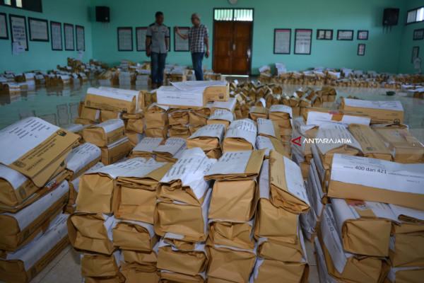 KPU Ngawi Lakukan Pengecekan Logistik Pilkada Jatim