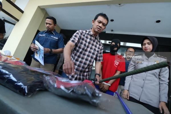 Polisi Tangkap Dua Pelaku Pembunuhan di Surabaya