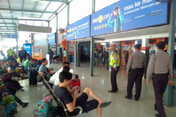 Polisi Kuatkan Pengamanan di Stasiun Pasar Turi