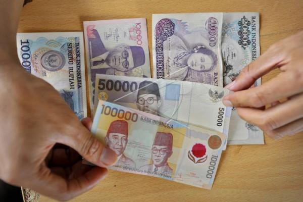 Empat Uang Lama Ditukar Paling Lambat Desember 2018