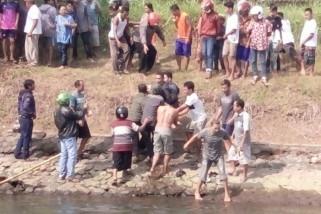 Dua Remaja Tenggelam ke Sungai di Blitar