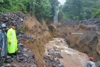 Tim PVMBG Cek Sungai Badeng Pascabanjir Bandang