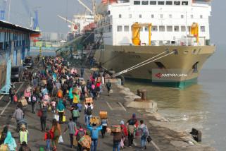 Penumpang Kapal saat Natal-Tahun Baru di Lingkungan Pelindo III Diprediksi Naik