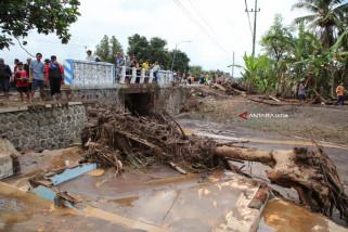 Banjir Bandang Landa Dua Kecamatan di Banyuwangi