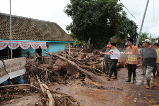 Pemprov Jatim Bantu Penanganan Banjir Bandang di Banyuwangi