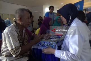 KAI-Jasa Raharja Gelar Pemeriksaan Kesehatan Gratis  di Stasiun Madiun (Video)