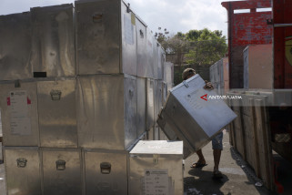 KPU Tulungagung Berencana Lelang Logistik Kotak Suara
