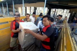 Distribusi logistik Pilkada