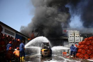 Video - Pabrik Tiner Sidoarjo Terbakar