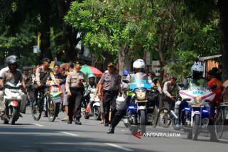 Polisi Bojonegoro Rekayasa Jalur Alternatif Atas Kemacetan