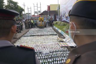 Usai Apel Siaga, Ribuan Botol Miras Ilegal Dimusnahkan