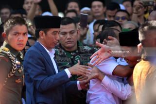 Jokowi Terima Wan Azizah