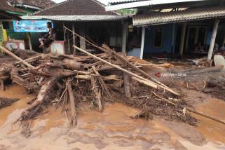 Tenda dan Dapur Umum Disiagakan untuk Korban Banjir Bandang Banyuwangi