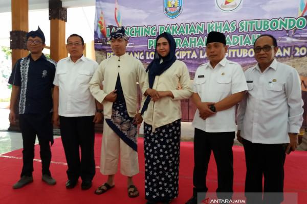 Dewan Kesenian Luncurkan Pakaian Khas Situbondo (Video)