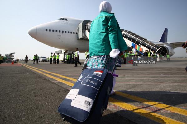 Atik Berangkat Haji setelah Jalani Operasi Patah Tulang