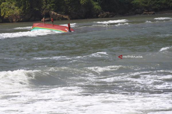 Jumlah Korban Meninggal Akibat Perahu Tenggelam di Jember Bertambah