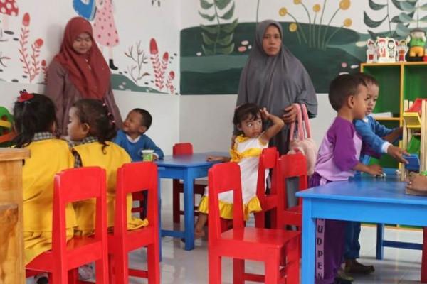 Avian Renovasi 50 Sekolah Pulau Jawa dan NTT