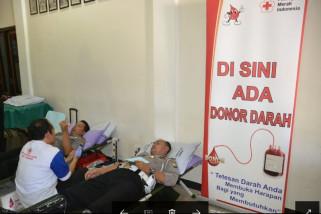 Polres Ponorogo Donor Darah Peringati Hari Bhayangkara