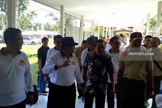Kapolda-Pangdam dan Gubernur Jenguk Anak Terduga Pelaku Bom Pasuruan