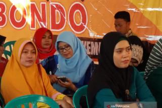 Istri Bupati Situbondo Daftar Caleg Lewat PKB (Video)