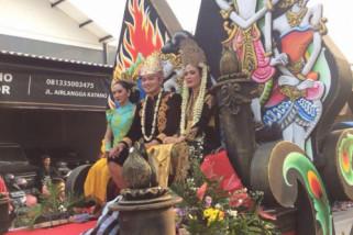 Parade Mobil  Hias Meriahkan Pekan Budaya dan Pariwisata Kabupaten Kediri