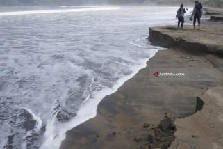 Abrasi Pantai Dampak Gelombang Tinggi